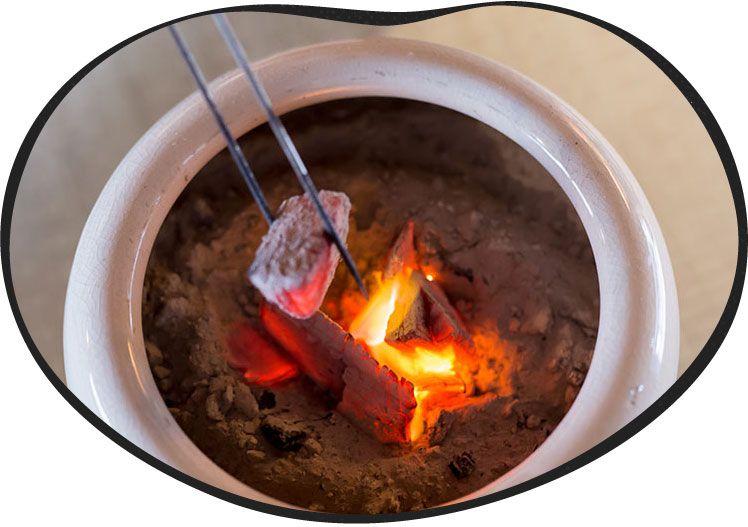 火鉢を用意しているの画像